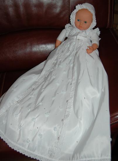 f3dd1a2985d Détails des robes de Baptême